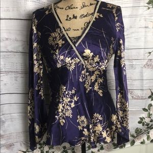 Any 2 items for $15 Jonathan Martin blouse
